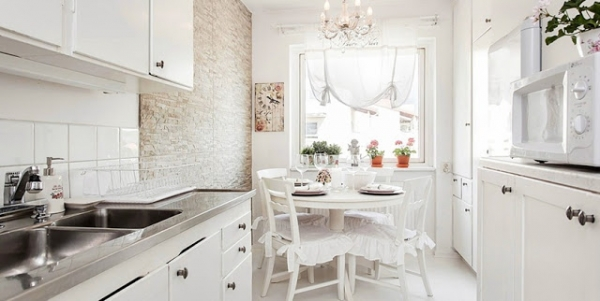 welcoming-white-interior-with-delicate-decorations-5