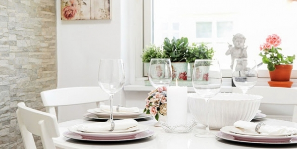 welcoming-white-interior-with-delicate-decorations-9