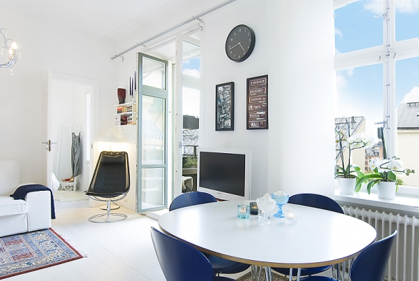 white-and-blue-interior-2