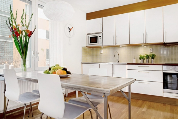 white-and-wood-in-the-kitchen-13
