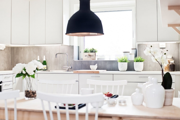white-and-wood-in-the-kitchen-14