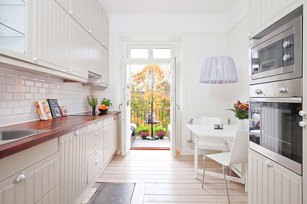 white-and-wood-in-the-kitchen-4