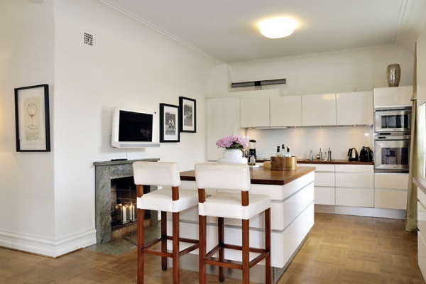 white-and-wood-in-the-kitchen-7
