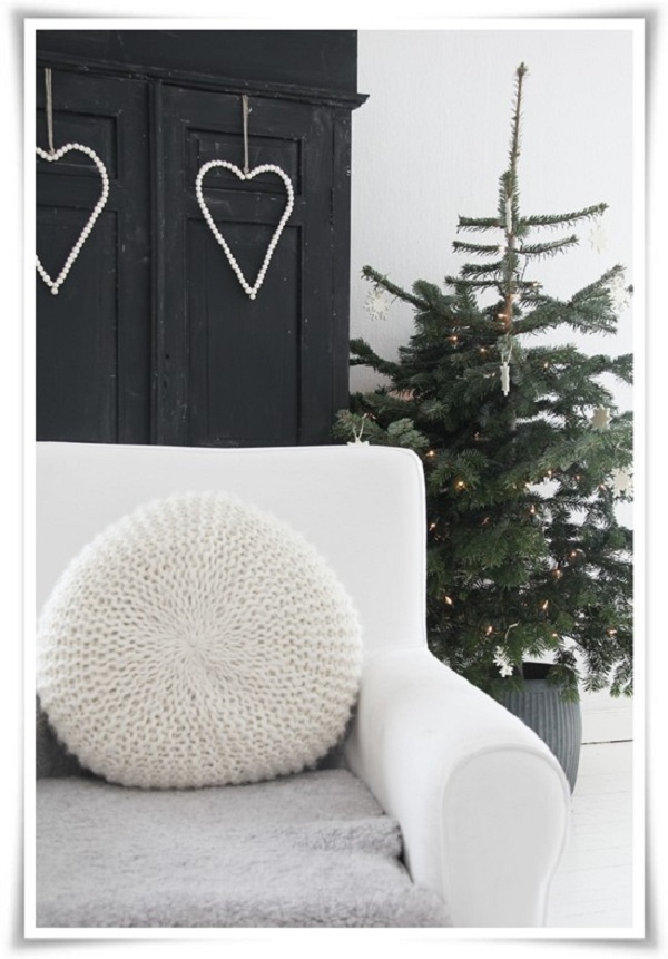 White Christmas Details Adorable Home