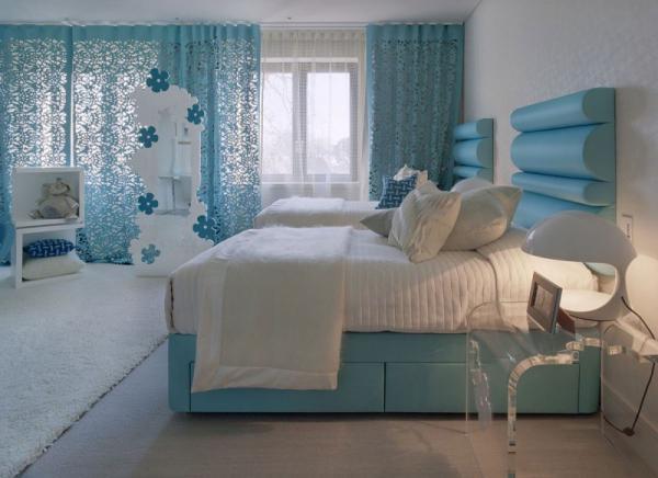 white-interior-design-of-the-kensington-house-10