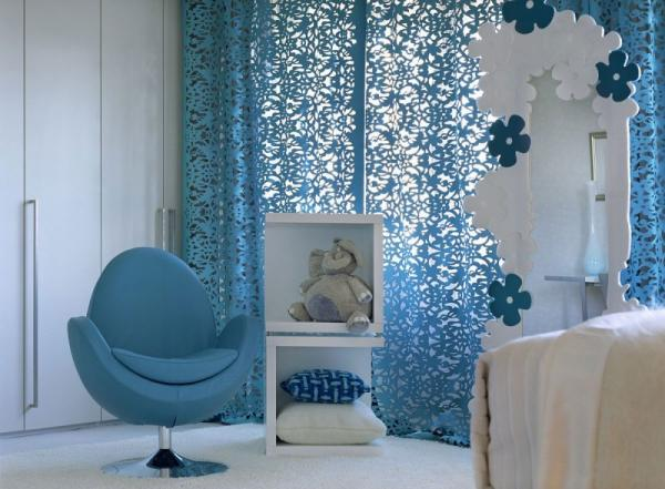 white-interior-design-of-the-kensington-house-11