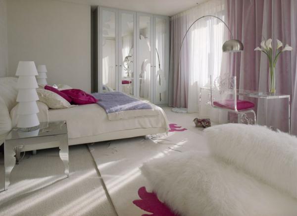 white-interior-design-of-the-kensington-house-12