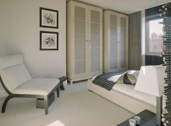 white-interior-design-of-the-kensington-house-14