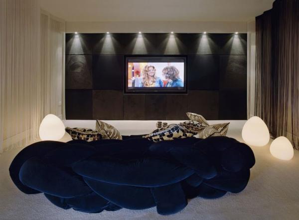 white-interior-design-of-the-kensington-house-16