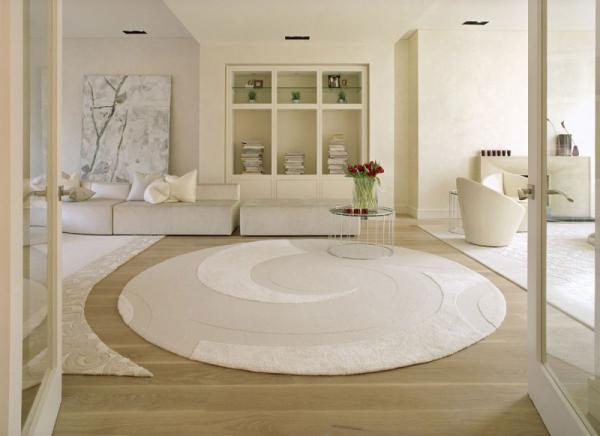 white-interior-design-of-the-kensington-house-3