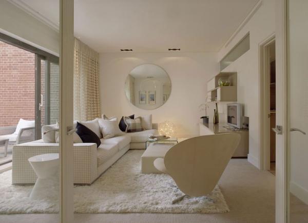 white-interior-design-of-the-kensington-house-4
