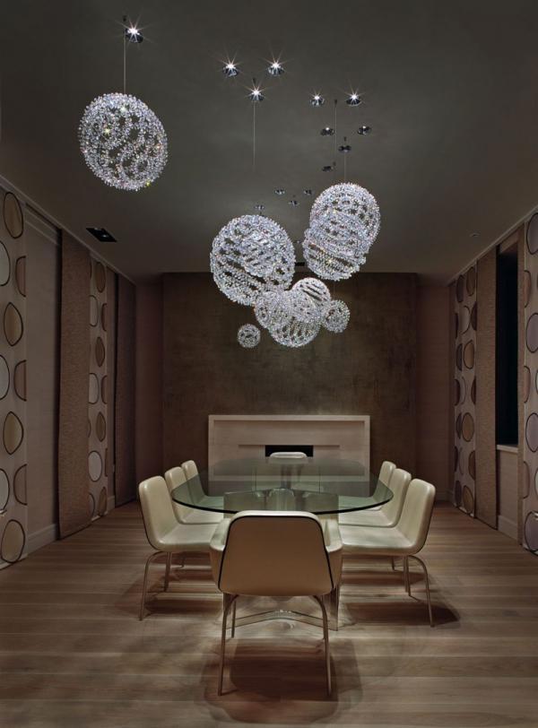 white-interior-design-of-the-kensington-house-5