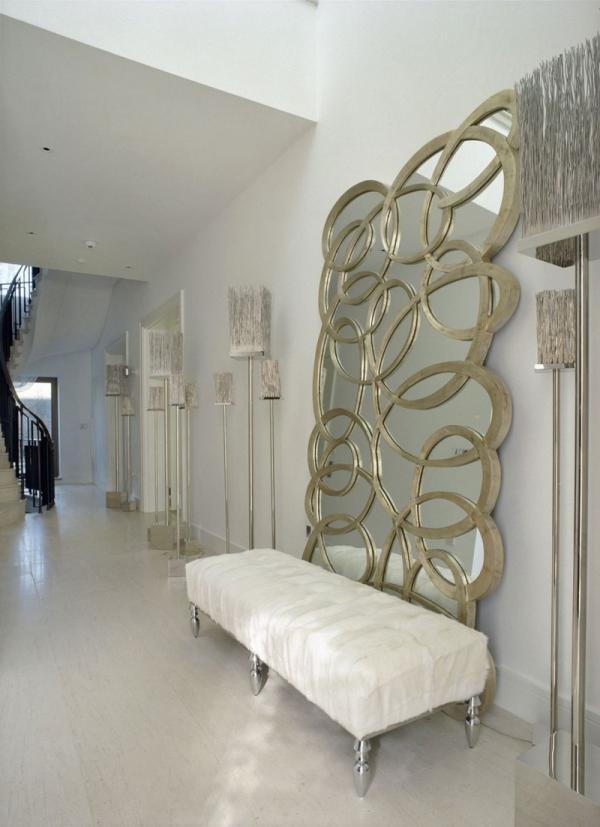 white-interior-design-of-the-kensington-house-6