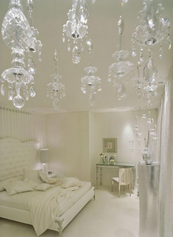 white-interior-design-of-the-kensington-house-7