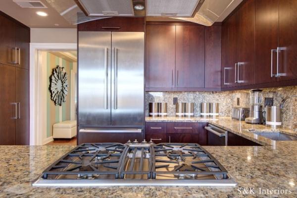 Wonderful condo design speaks volumes (6)