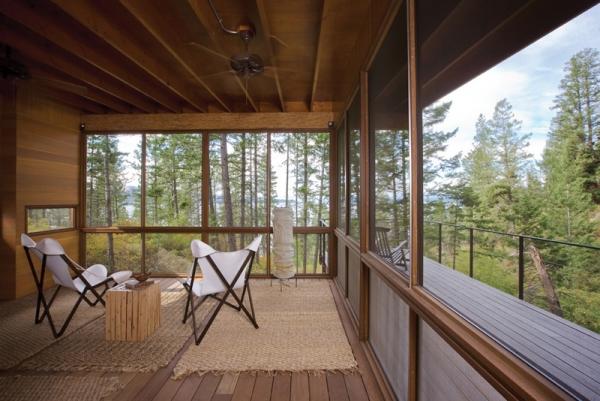 Wooden forest cabin in Montana (4).jpg