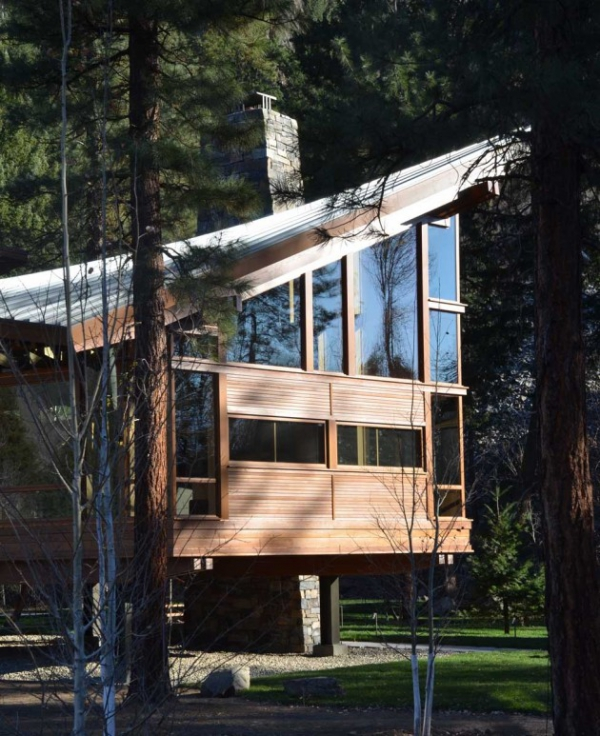 Wooden residence in all its abstract glory  (13)