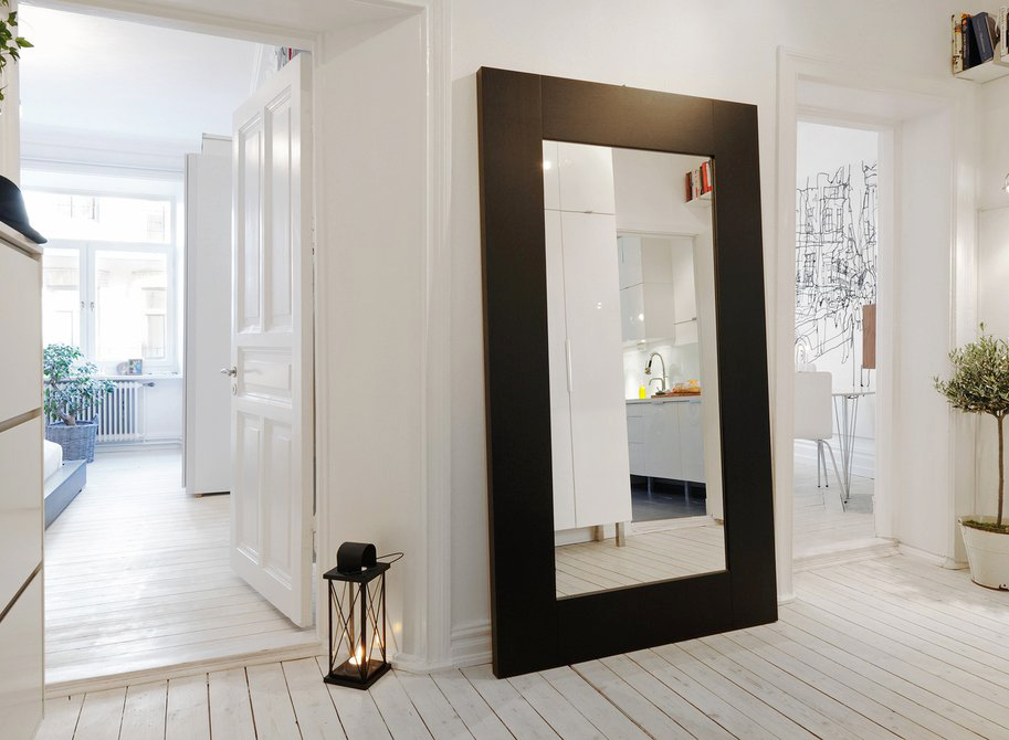Amazing Hall Decoration Ideas Home Part - 8: Huge Mirror In White Entrance Hall