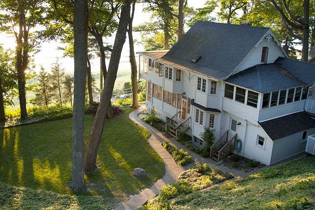Lake cottage (1)