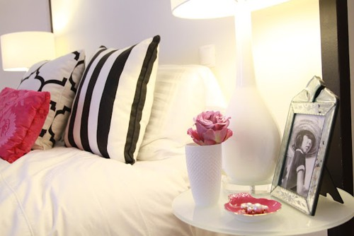 Sophisticated bedroom (3)