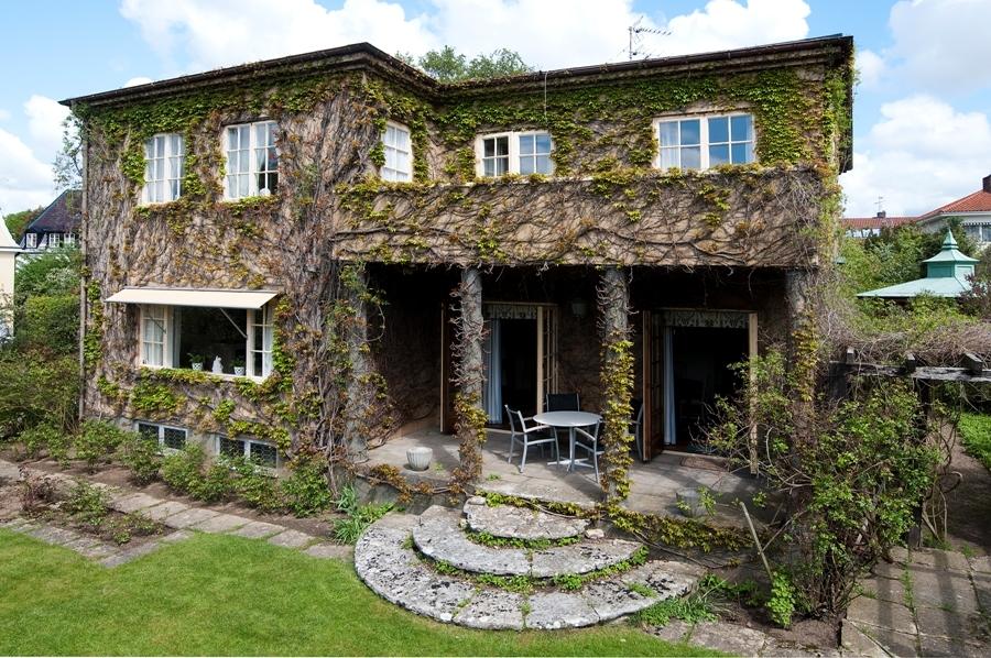 Classic house design (20)