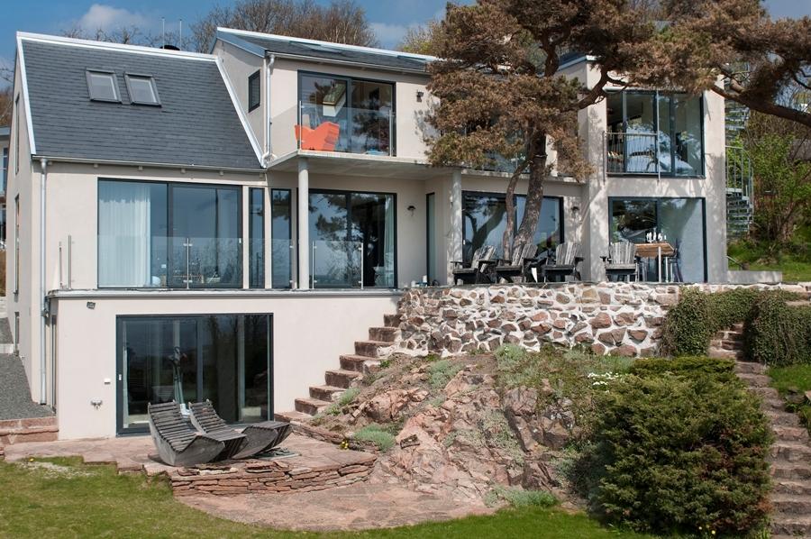 Contemporary 3-storey house (19)