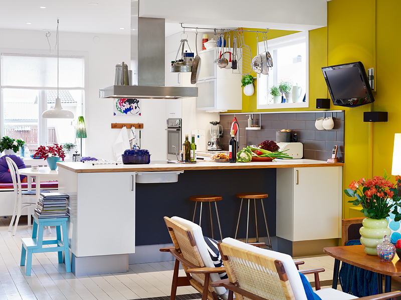 Colorful and cheerful interior (12)