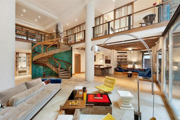 Huge duplex in Manhattan