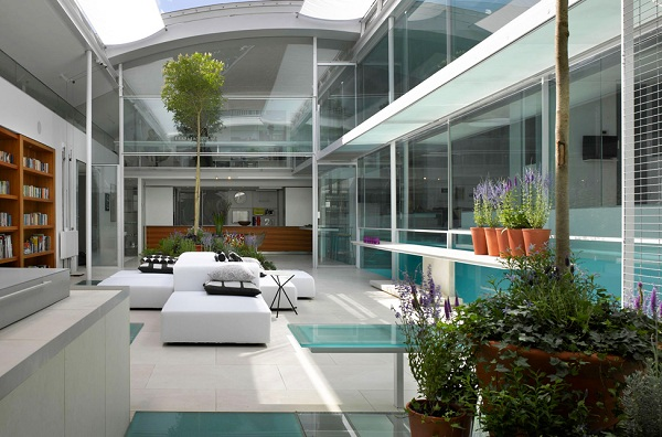 The spectacular Gayton Road residence