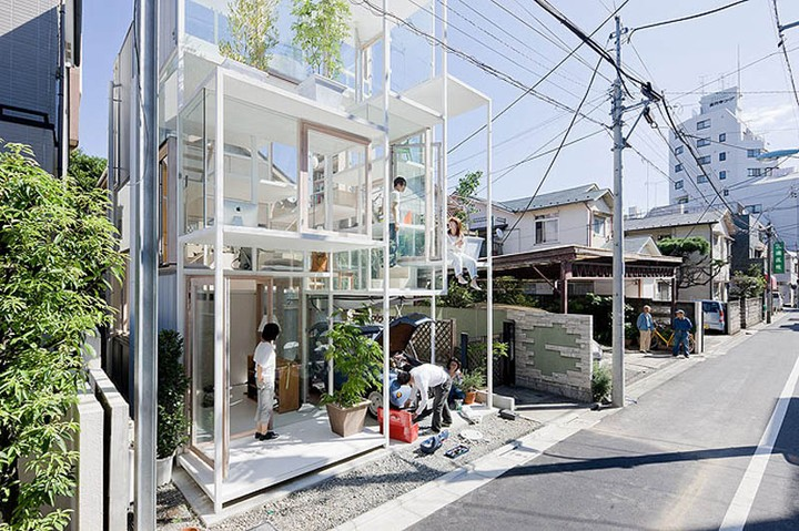 Transparent house in Tokyo (8)