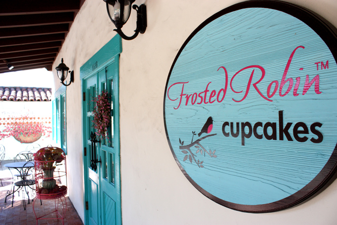 Frosted Robin Cupcakes Cafe (1)