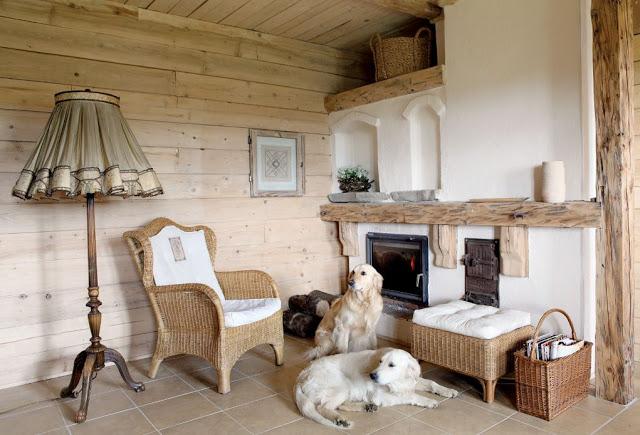 Romantic wooden cottage (2)