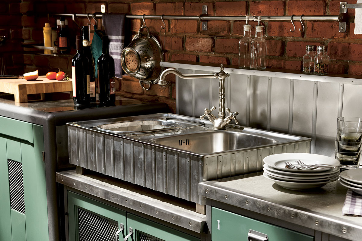 Vintage and industrial style kitchens by marchi group for Deco cuisine style campagne