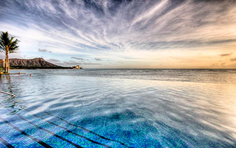 Infinity Pool Sheraton Waikiki, Hawaii