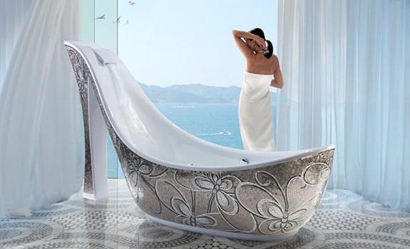 The shoe-shaped bathtub