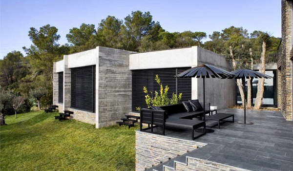 Contemporary residence in Spain