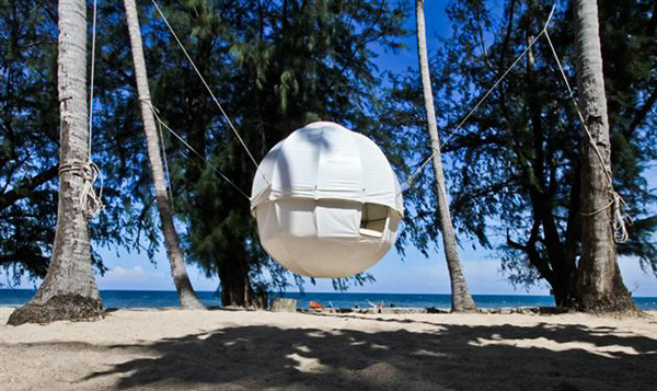 The amazing Cocoon Tree Tent