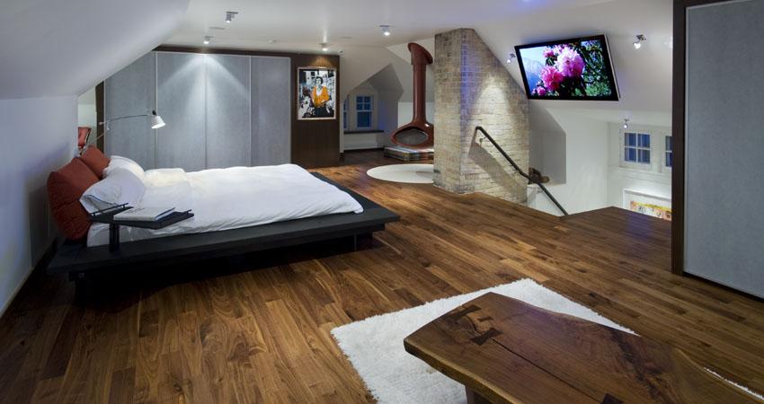 Contemporary Attic Bedroom With An En Suite Bathroom Adorable Home