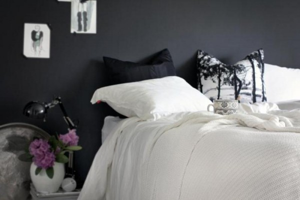 Feminine black & white bedroom