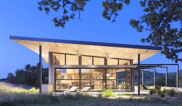 Environmentally friendly home design on the Californian hills