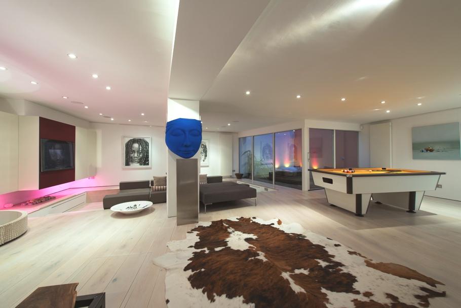 An impressive modern loft in London