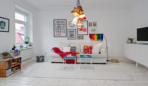 Picture-perfect cheery apartment design