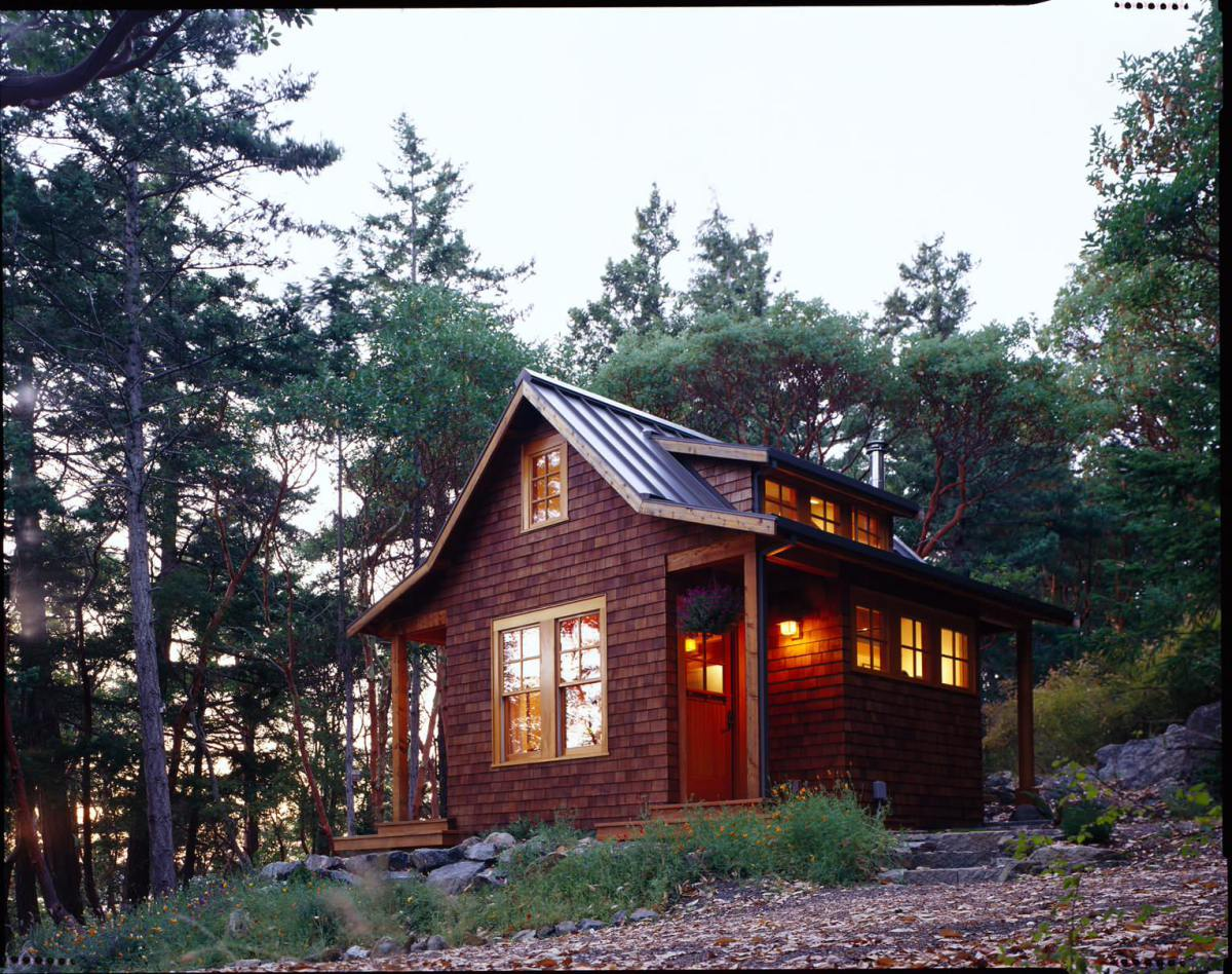 Cozy forest cabin on Orcas Island