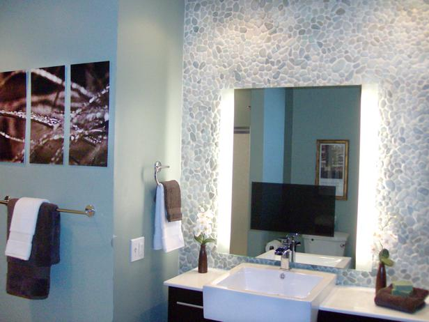Creating colorful bathrooms