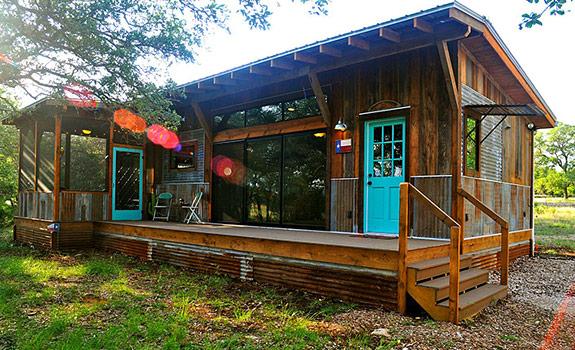 La Arboleda: A Beautifully Reclaimed Wood Cabin