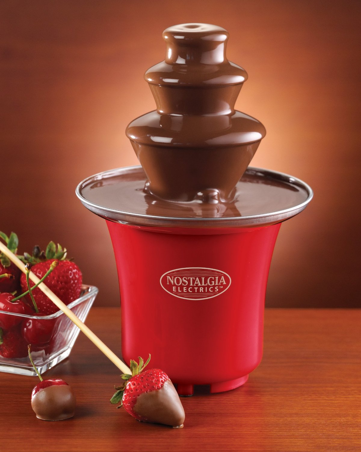 Retro mini chocolate fountain