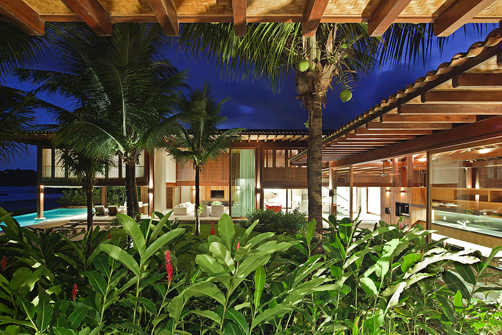 A Tropical House-the garden at night-1