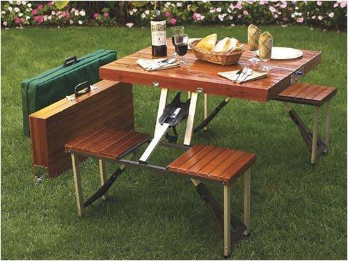 Compact foldable picnic table