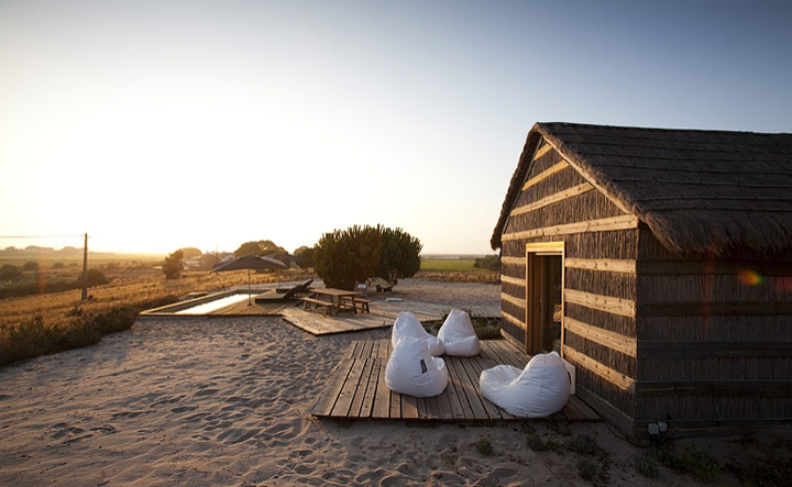 Simply elegant beach cottages in Portugal