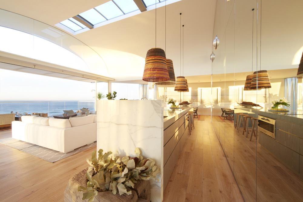 The-Pacific-Bondi-beach-kitchen-living